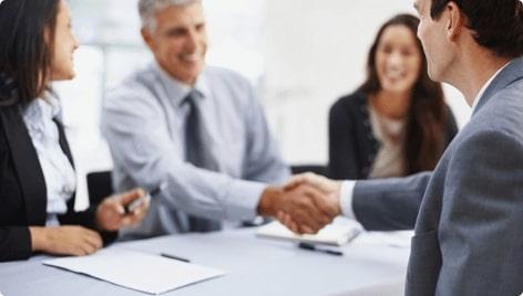 Оказываем помощь с трудоустройством